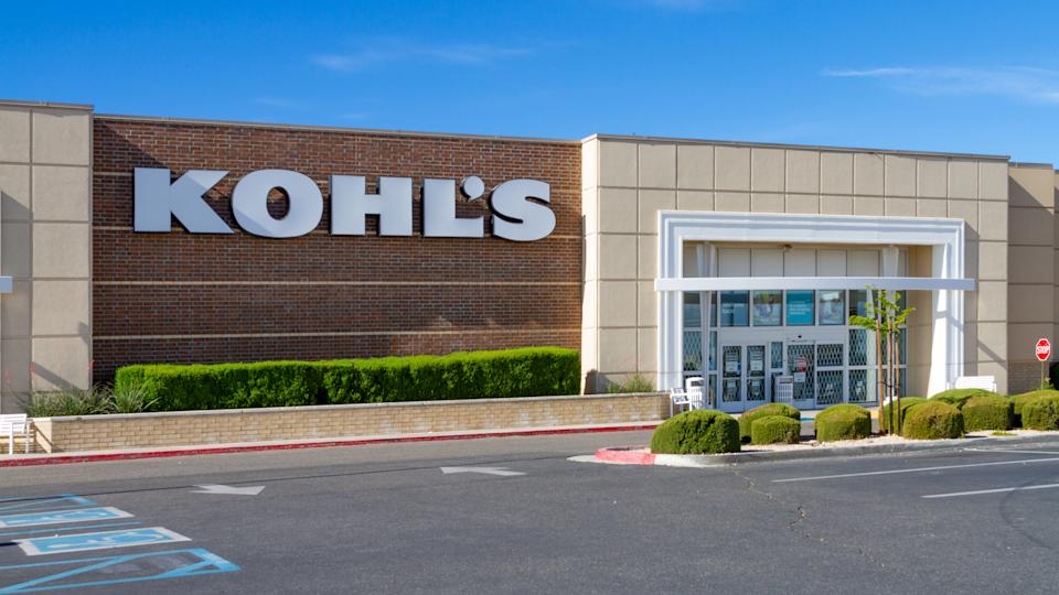 Victorville, CA / USA – June 1, 2020: Temporally closed due to the COVID-19 crisis, the Kohl's location in Victorville, California, is set to reopen.
