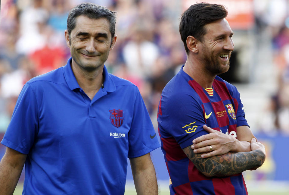 Ernesto Valverde and Leo Messi  during the presentation of the team 2019-20 before the match between FC Barcelona and Arsenal FC, corresponding to the Joan Gamper trophy, played at the Camp Nou, on 04th August, 2019, in Barcelona, Spain.  (Photo by Joan Valls/Urbanandsport /NurPhoto via Getty Images)