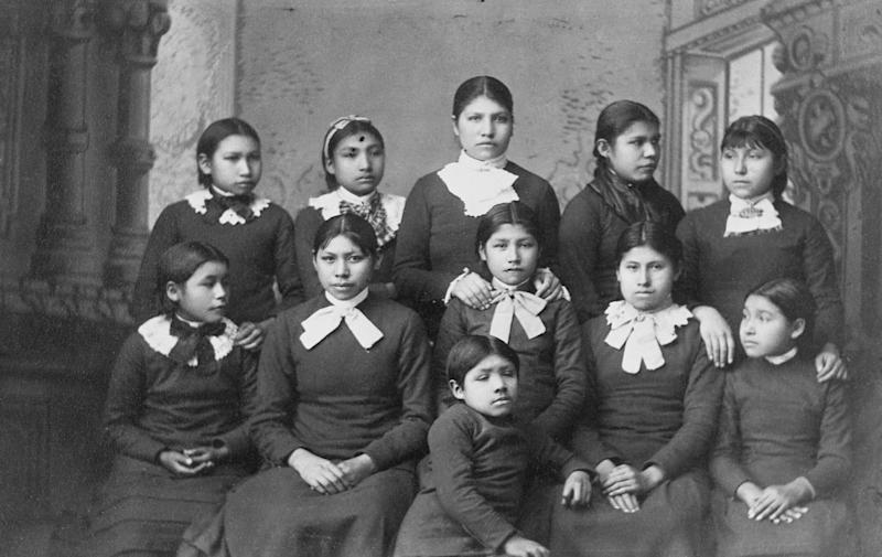 Native American girls from the Omaha tribe at Carlisle School, Pennsylvania. (Photo: Historical via Getty Images)