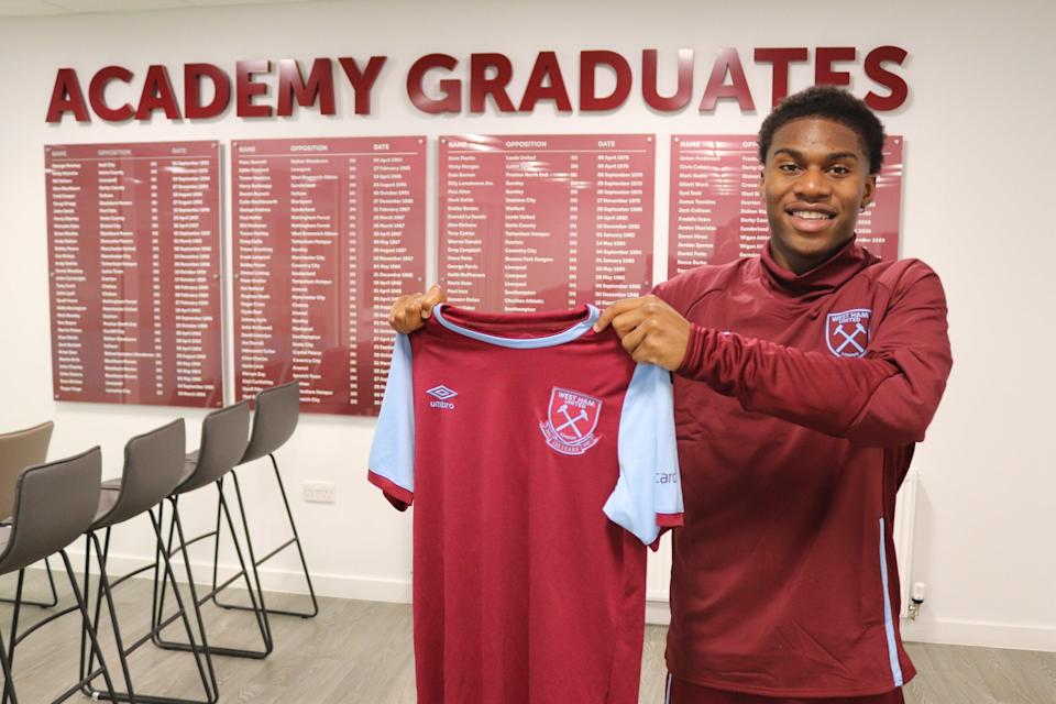<p>Thierry Nevers has joined West Ham after nine years at Reading</p> (West Ham United)