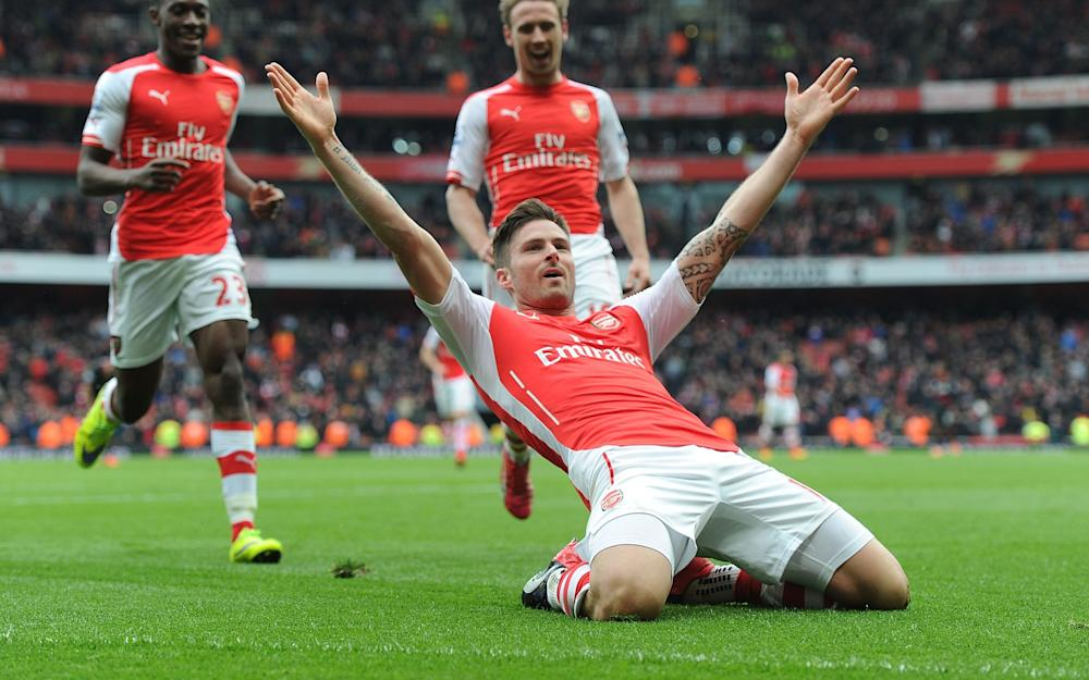 Giroud wants Wenger to stay at Arsenal