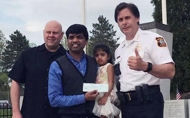 Indian in US jumps on Metro track to save co-worker, thief runs away with his backpack