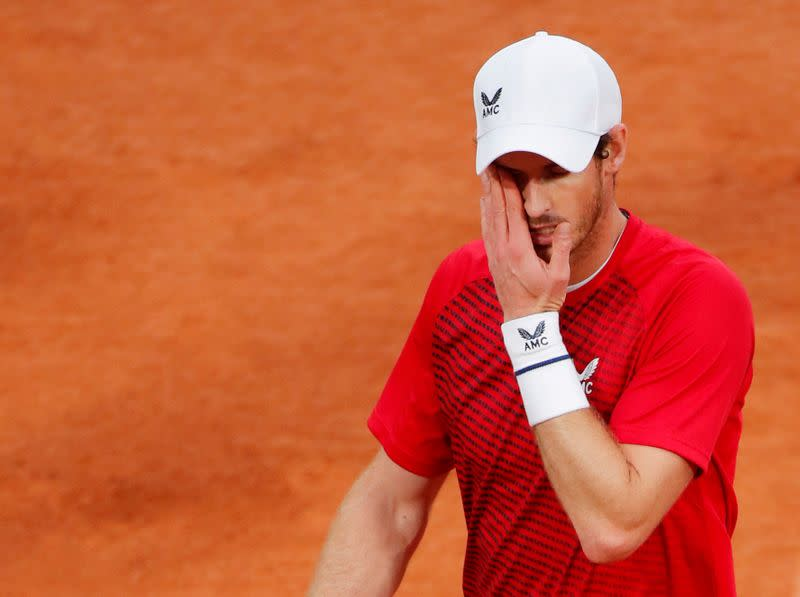 Murray needs to stop thinking about himself, says Wilander