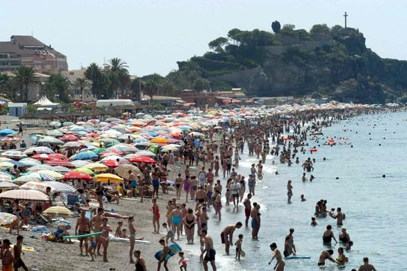 Tourists warned of 'killer heatwave' in Spain as temperatures set to reach 43C
