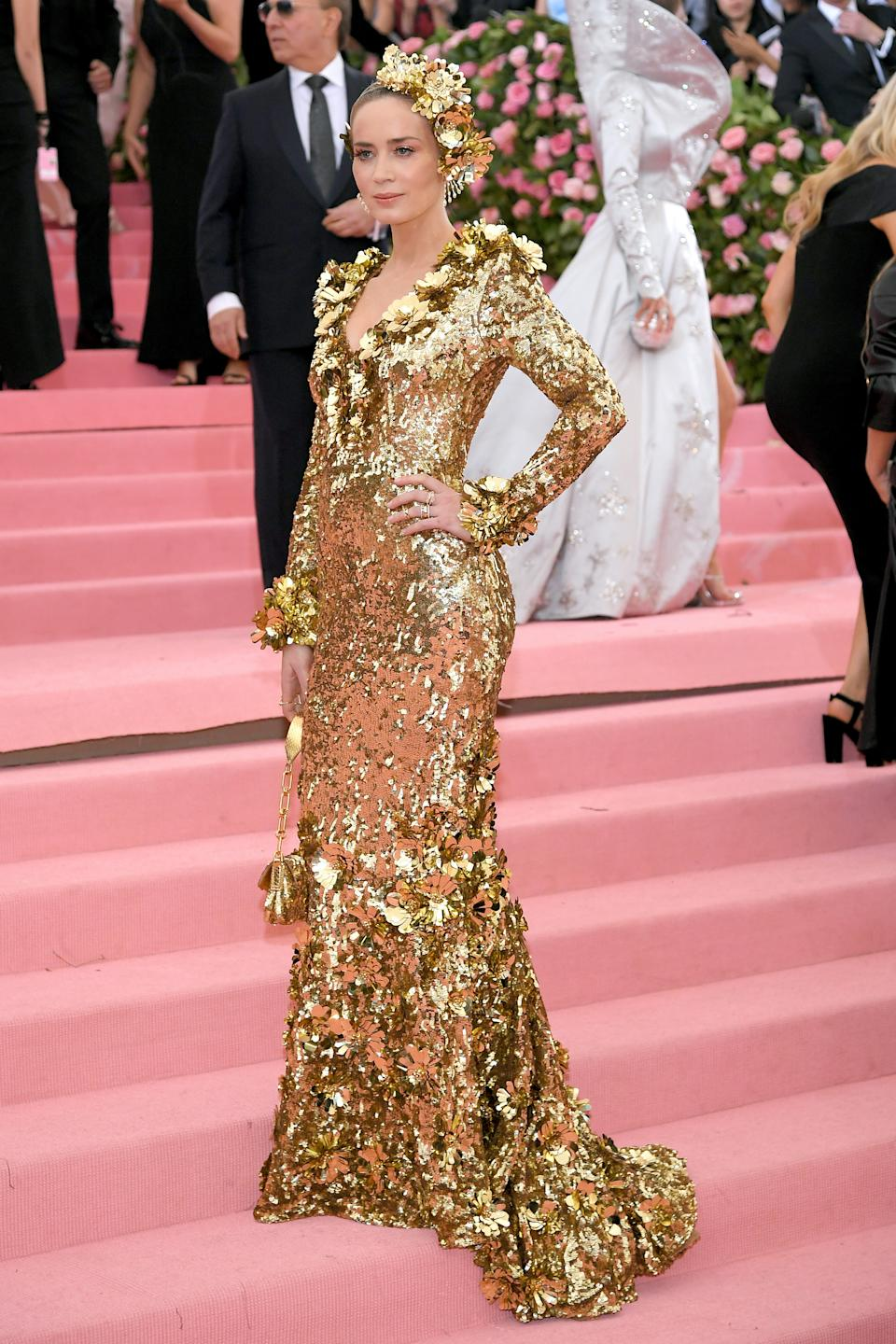 """<h1 class=""""title"""">Emily Blunt in custom Michael Kors Collection and custom Sam Edelman shoes</h1><cite class=""""credit"""">Photo: Getty Images</cite>"""