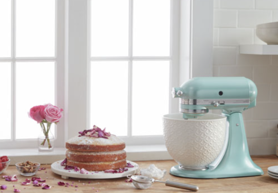 Save $230 on this KitchenAid stand mixer — plus more of this week's top deals from Best Buy Canada (Photo via Best Buy Canada)