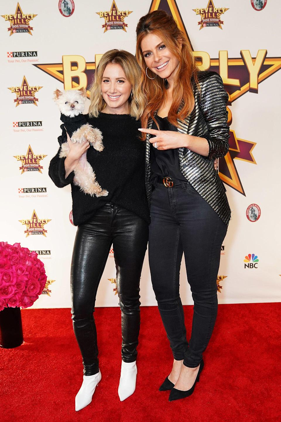 Tisdale also made sure she (and her dog Maui) got a chance to catch up with Menounos.