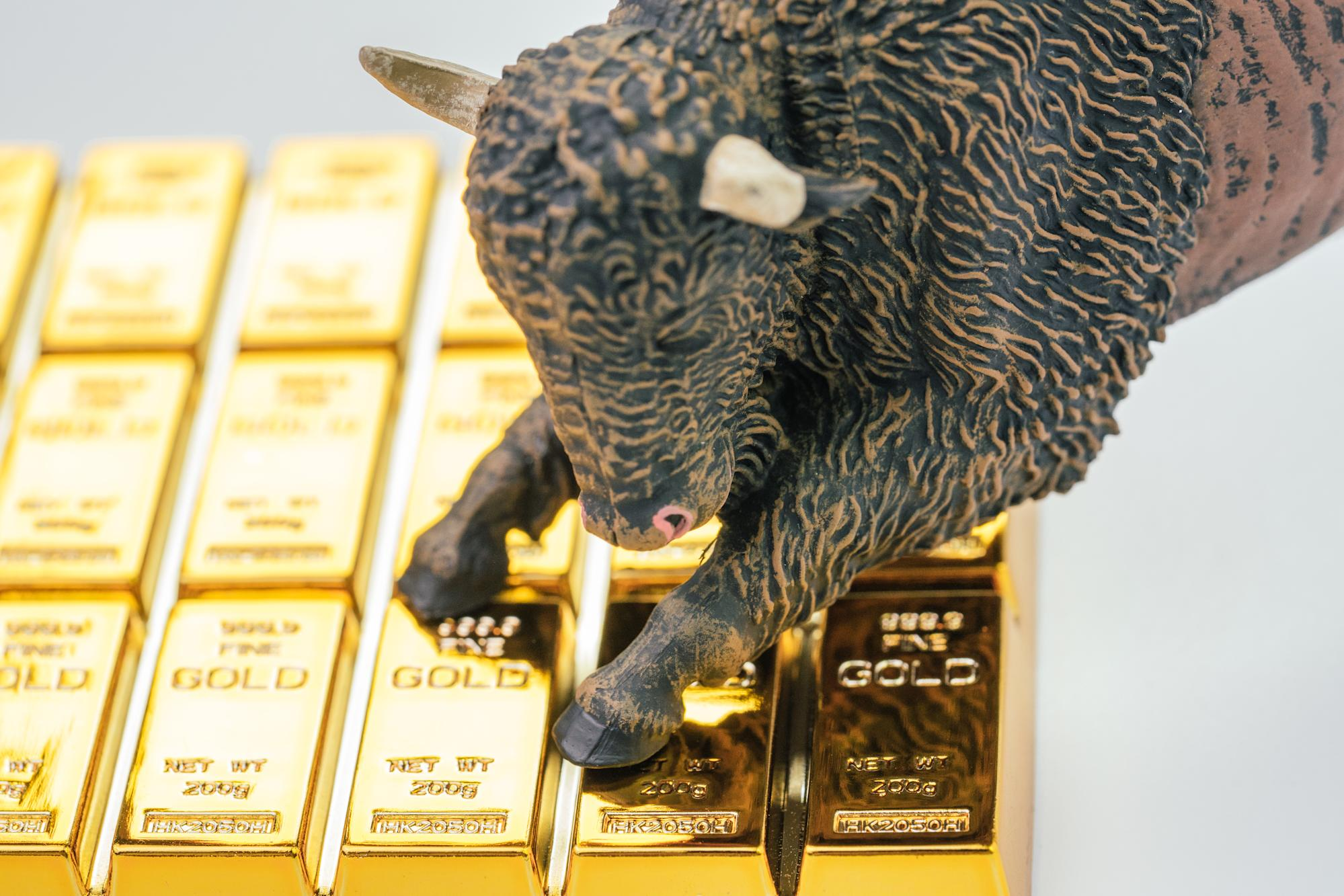 Will gold continue to deliver high returns in 2021?