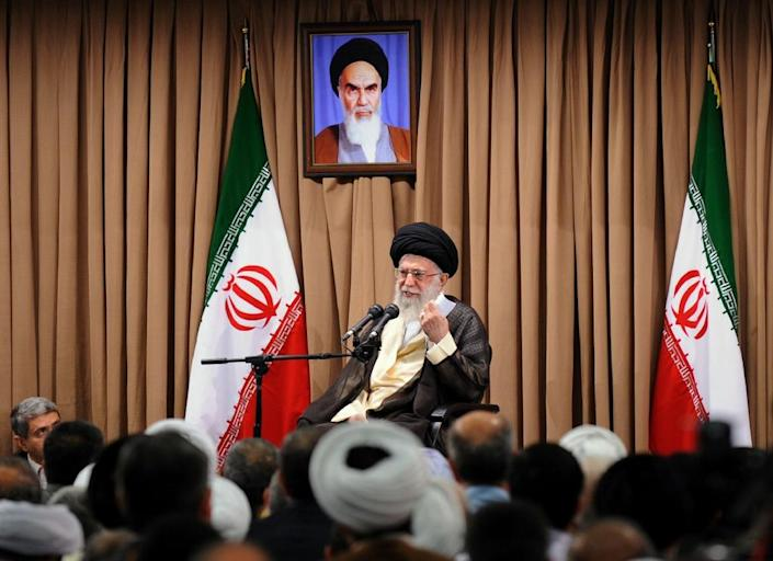 A photo provided by the office of Iran's supreme leader, Ayatollah Ali Khamenei, shows him addressing Iran's top officials during a meeting in Tehran in which he restated his country's red lines for a nuclear deal with world powers, June 23, 2015 (AFP Photo/)