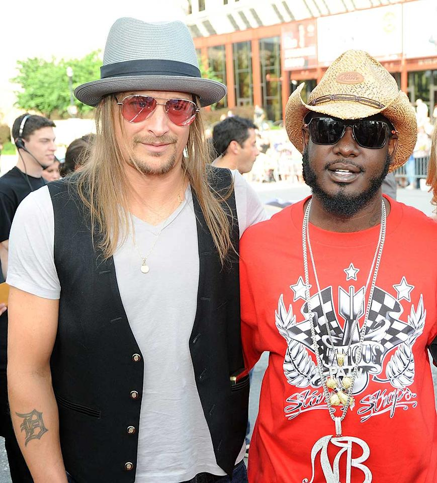 """Presenters Kid Rock and T-Pain added a little bit of rock and hip-hop flavor to the country awards show. Jeff Kravitz/<a href=""""http://filmmagic.com/"""" target=""""new"""">FilmMagic.com</a> - June 16, 2009"""