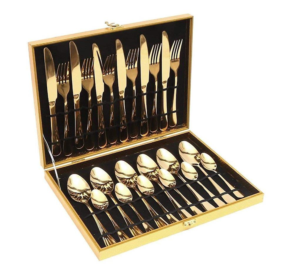 <p>Embrace your glam side with this <span>Elegantoss 24pcs Stainless Steel Gold Flatware Cutlery Set</span> ($25).</p>