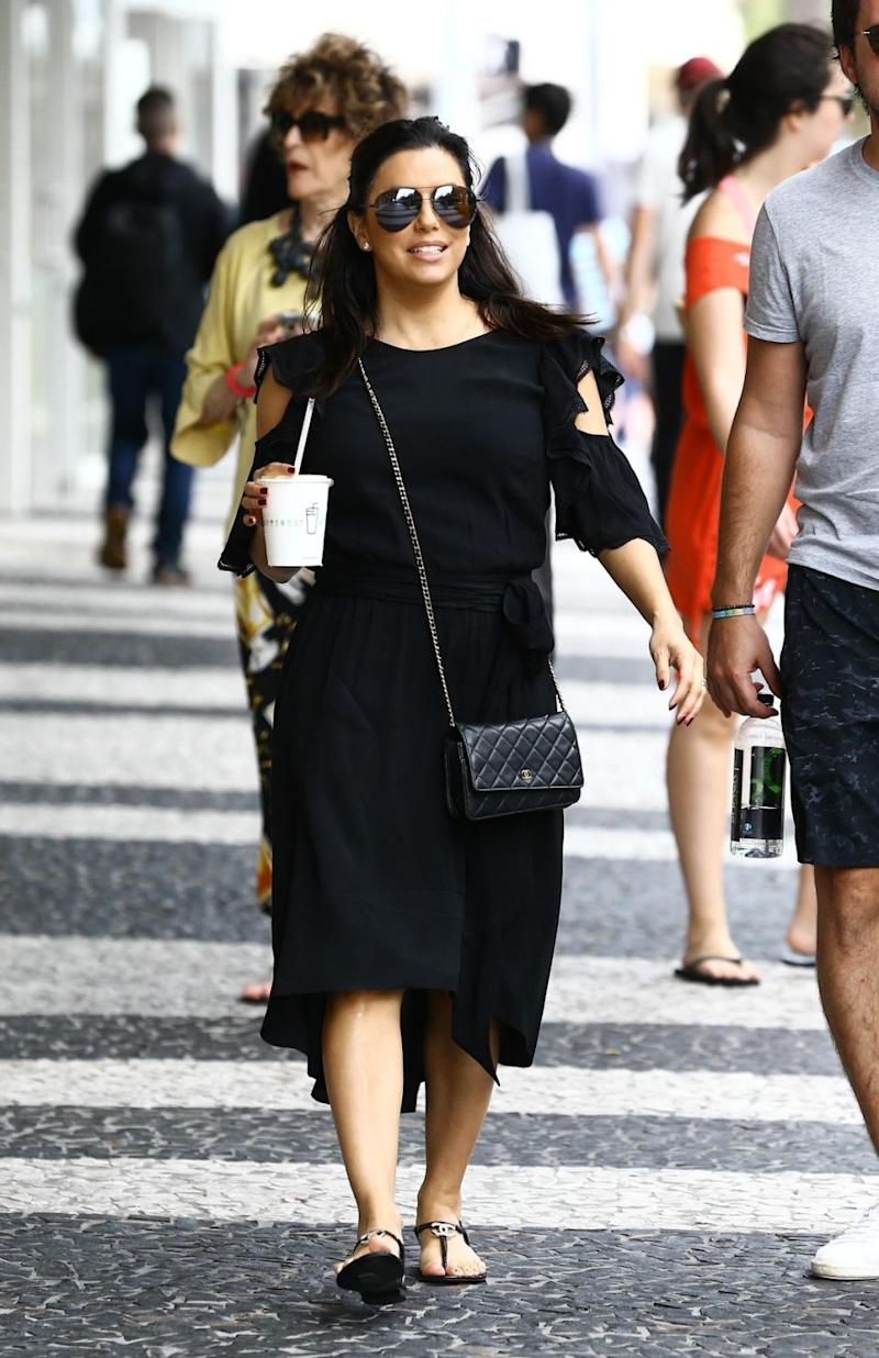 Eva Longoria spend's the day on Lincoln Road. The two did some shopping and grabbed lunch with friends at the popular tourist destination in Miami. Source: Backgrid