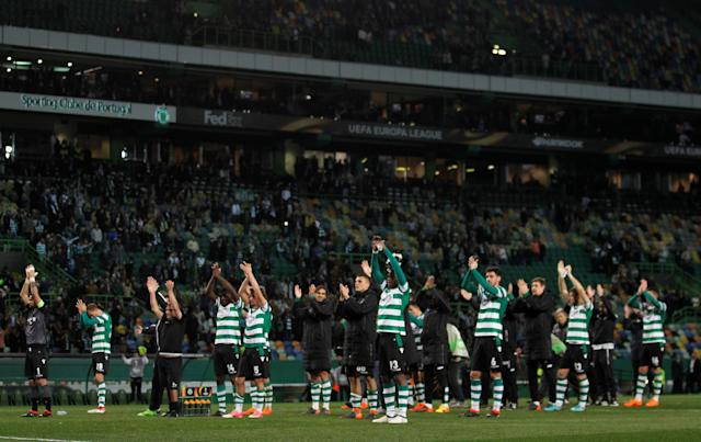 Soccer Football - Europa League Round of 32 Second Leg - Sporting CP vs Astana - Estadio Jose Alvalade, Lisbon, Portugal - February 22, 2018 Sporting players celebrate after the match REUTERS/Rafael Marchante