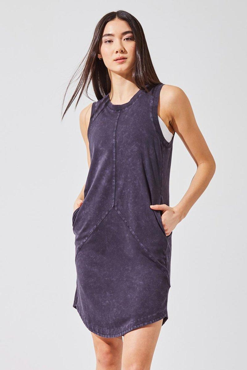 Breeze Relaxed Sleeveless Dress. Image via Amazon.