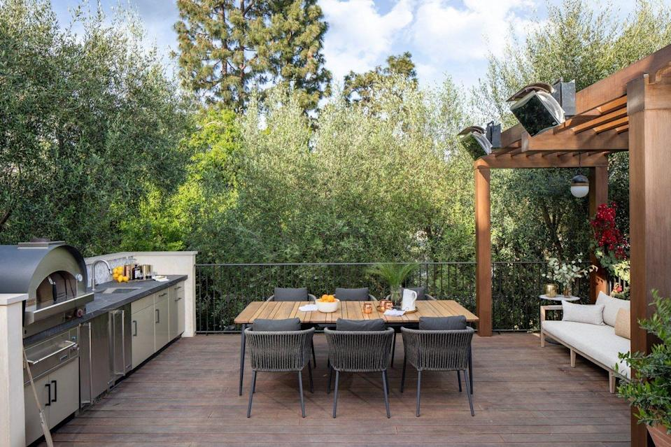 Space of Week, Patio Dining Area