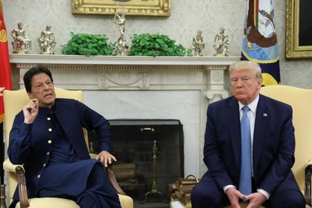 Trump, Pakistan's Khan discuss reducing tension with India over Kashmir