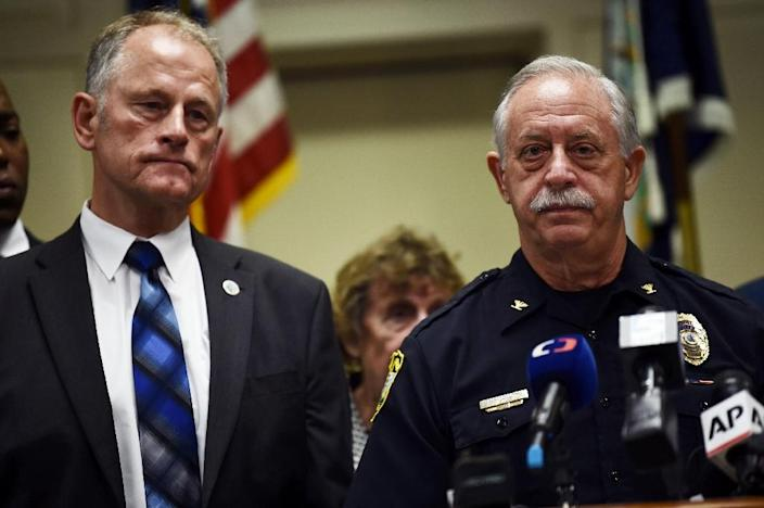 Virginia Beach city manager Dave Hansen (L) and Police Chief James Cervera attend a press conference on June 1, 2019 (AFP Photo/Eric BARADAT )