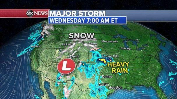 PHOTO: Rain is forming the central U.S. with snow to north on Wednesday morning. (ABC News)