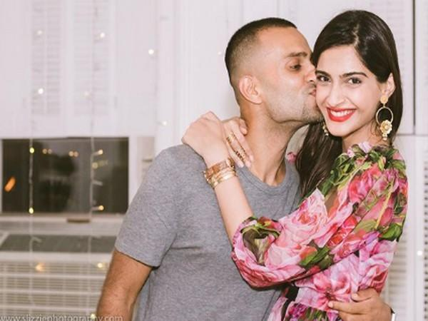 Celebrity couple Sonam Kapoor Ahuja and Anand Ahuja (Image Source: Instagram)