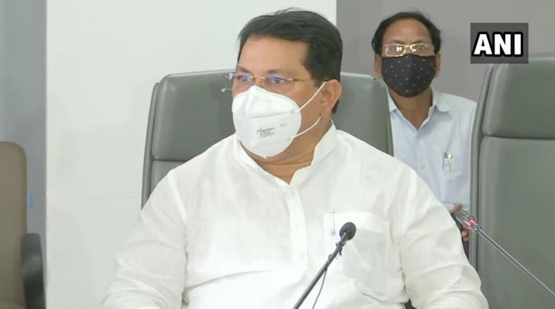 Maharashtra Minister Vijay Wadettiwar Says 'Will Have to Take Loan to Pay Salaries of Government Employees, No Fund Received From Centre'