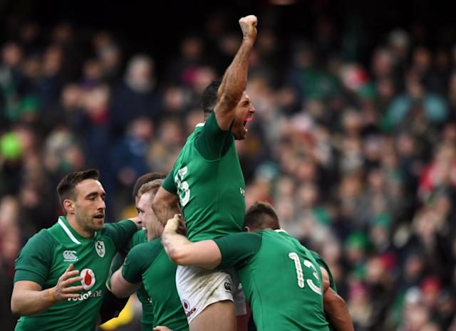 Rugby Union - Six Nations Championship - Ireland vs Wales - Aviva Stadium, Dublin, Republic of Ireland - February 24, 2018 Ireland's Rob Kearney celebrates with team mates after after their fourth try scored by Cian Healy REUTERS/Clodagh Kilcoyne