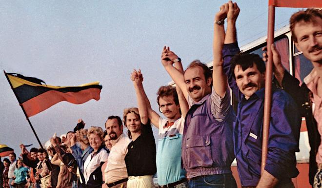 Demonstrators from Lithuania, Latvia and Estonia formed the Baltic Way human chain in August 1989, inspiring Hong Kong protesters 30 years later. Photo: Wikipedia