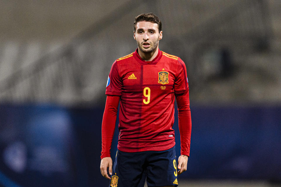 MARIBOR, SLOVENIA - MARCH 27: Abel Ruiz of Spain walks in the field during the 2021 UEFA European Under-21 Championship Group B match between Spain and Italy at Stadion Ljudski vrt on March 27, 2021 in Maribor, Slovenia. (Photo by Marcio Machado/Getty Images)