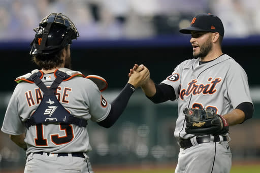 Tigers use big first inning to edge Royals 4-3