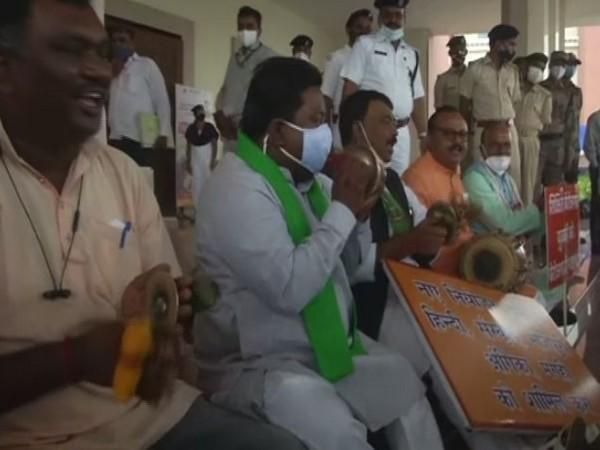 BJP MLAs stage protest over allotment of room for offering 'Namaz' in State Assembly