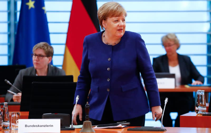 Merkel's conservatives want stimulus package to include tax relief - document