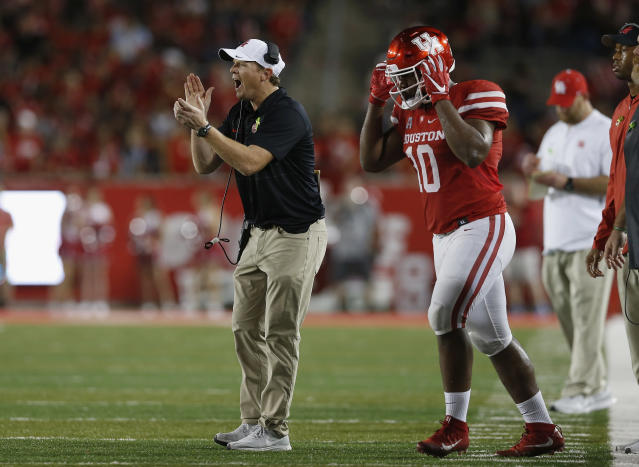 """Houston's <a class=""""link rapid-noclick-resp"""" href=""""/ncaaf/players/266709/"""" data-ylk=""""slk:Ed Oliver"""">Ed Oliver</a> has been one of the most dominant defensive players over the past three seasons. (AP)"""