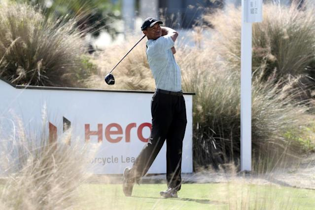 """<a class=""""link rapid-noclick-resp"""" href=""""/pga/players/147/"""" data-ylk=""""slk:Tiger Woods"""">Tiger Woods</a>, not having a great day. (Getty)"""