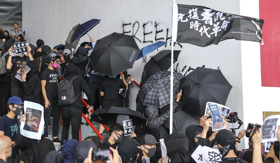 Students protest and vandalise campus walls at HKUST in 2019. Photo: Dickson Lee