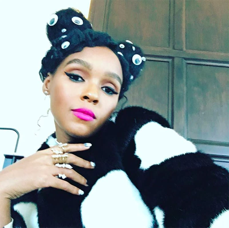 "<p>The singer gave us an eyeful, showing off her googly-eye-laden look on Instagram. (Photo: <a rel=""nofollow"" href=""https://www.instagram.com/p/BOP2qxQg-TV/?taken-by=janellemonae"">@Janellemonae</a>) </p>"