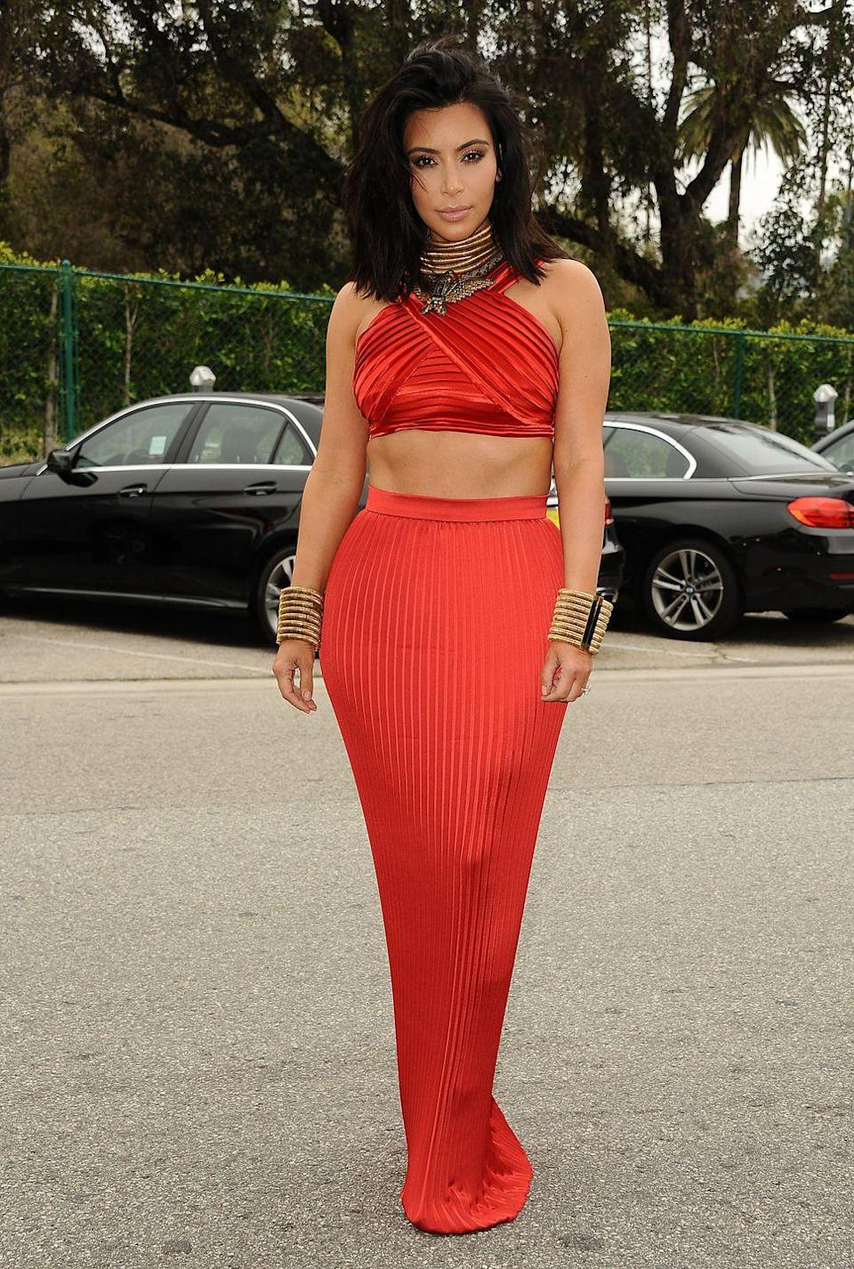 <p>It probably wasn't intentional, but the red crop top and skirt combo Kim Kardashian wore in 2015 reminds us of Jasmine's red outfit so much that we have to wonder….</p>