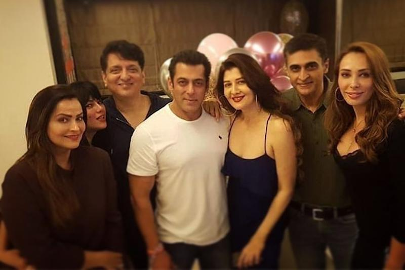 Salman Khan Hosts Grand Birthday Party for Ex-girlfriend Sangeeta Bijlani, See Pics