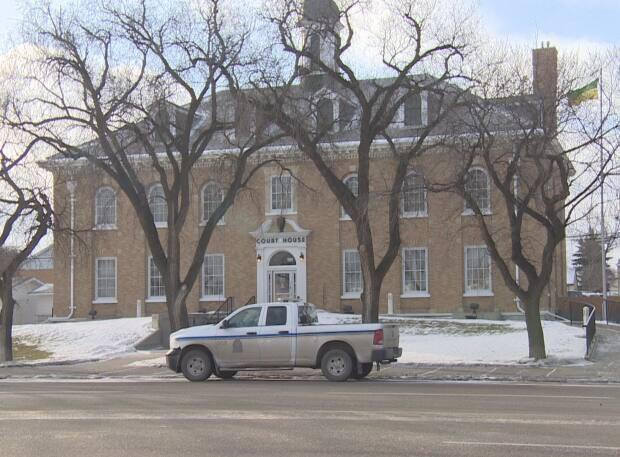 Blueforce Logistics Ltd. pleaded guilty to one count under Saskatchewan's Occupational Health and Safety Regulations in Estevan provincial court, shown here. (Radio-Canada - image credit)