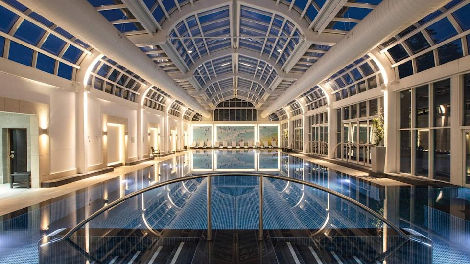 The pool fits in with the hotel's sense of luxury (Four Seasons Hampshire)