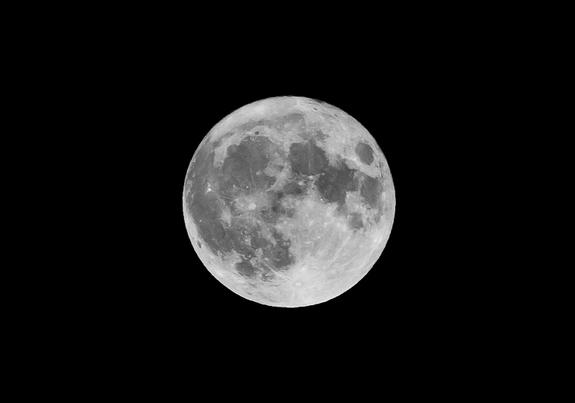 Stop the Lunacy! 5 Mad Myths About the Moon