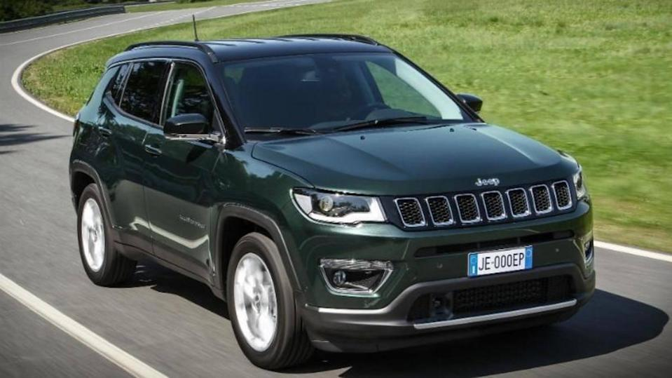Jeep Compass (facelift) revealed in leaked pictures: Details here