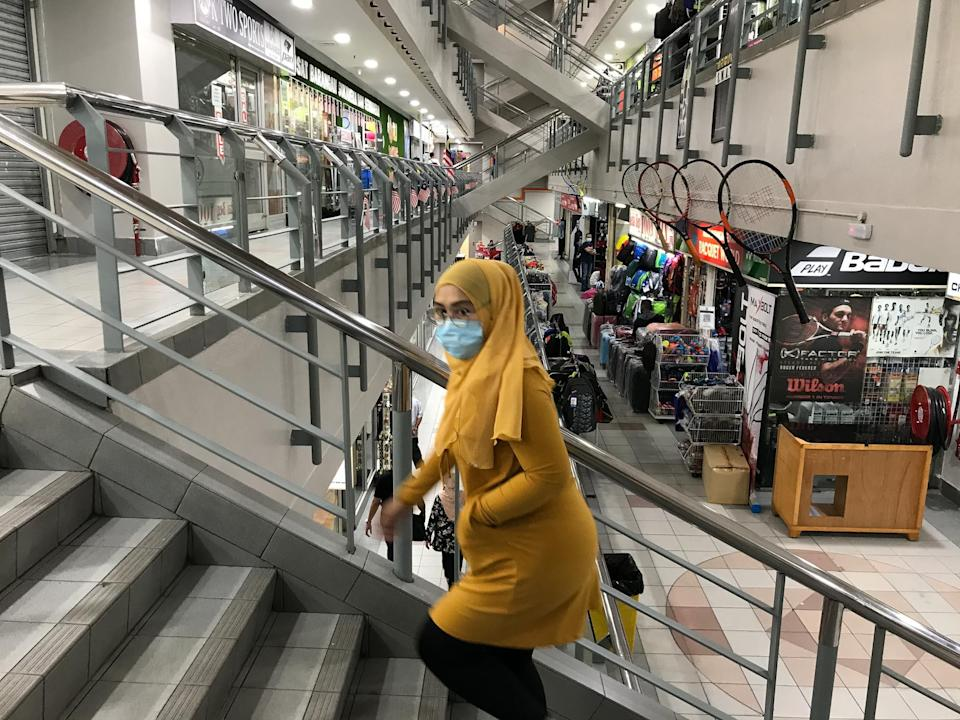 Malaysian Retail Chain Association said in May that up to 30 per cent of its members, comprising restaurants and retail chains, expect to lay workers off for the remaining year. — Picture by Hari Anggara
