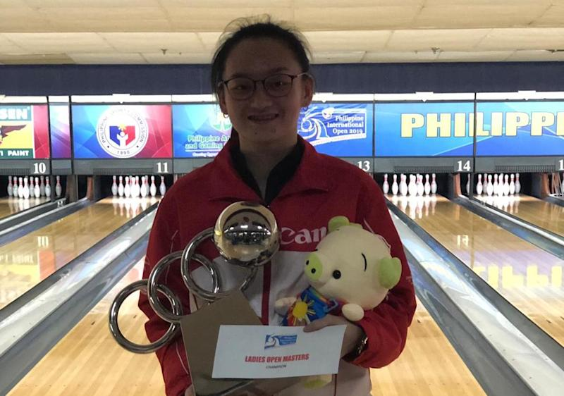 Singapore's national training squad bowler Amabel Chua wins her first international title at the Philippine Open in Manila. (PHOTO: Singapore Bowling Federation)