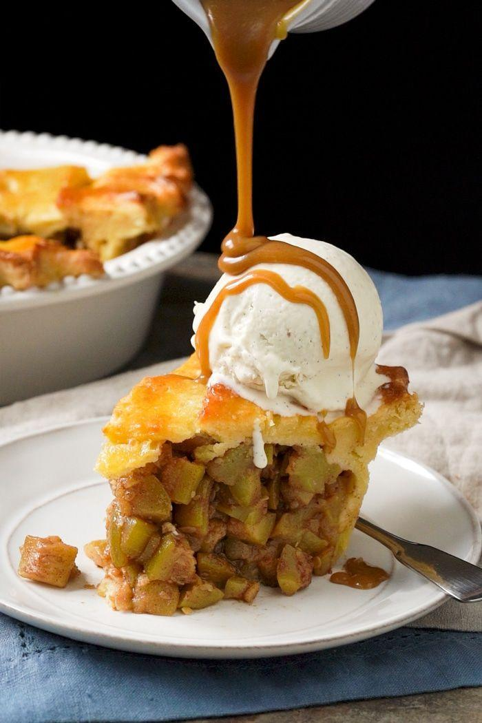 "<p>Apple pie is super comforting for Thanksgiving dessert, and this one by <a href=""https://www.gnom-gnom.com/keto-apple-pie/"" rel=""nofollow noopener"" target=""_blank"" data-ylk=""slk:gnom-gnom"" class=""link rapid-noclick-resp"">gnom-gnom</a> is gluten-free and keto-friendly. The pie crust is super flaky and the zucchini filling adds nutrients and fiber. </p>"