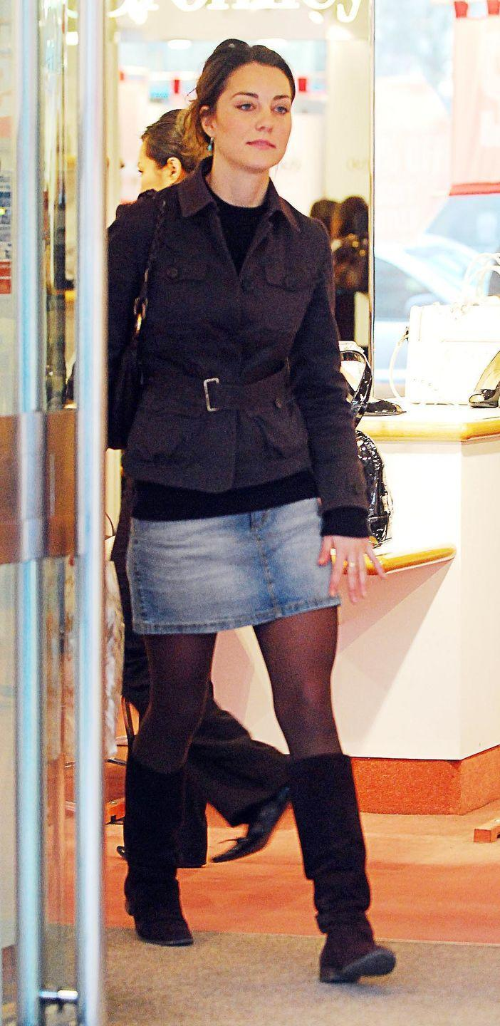<p>Out in a denim skirt in London in 2007. </p>