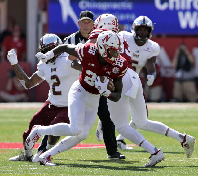 "Nebraska running back <a class=""link rapid-noclick-resp"" href=""/ncaaf/players/288300/"" data-ylk=""slk:Maurice Washington"">Maurice Washington</a> rushed for 455 yards and three touchdowns in 2018. (AP Photo/Nati Harnik)"