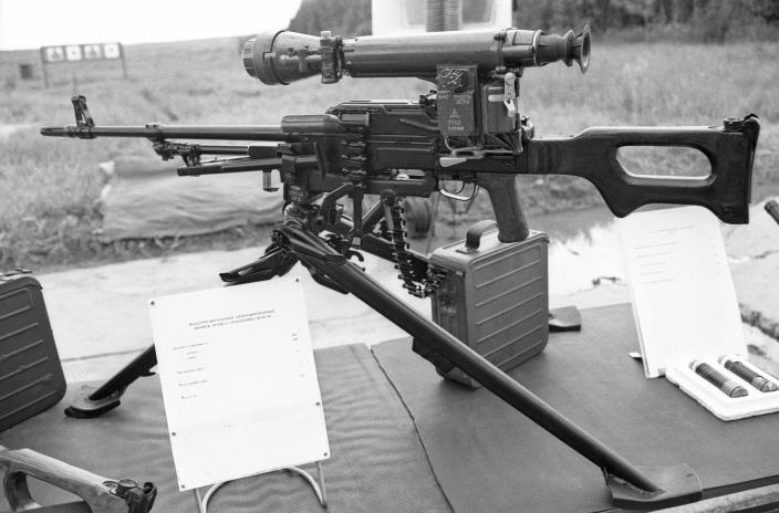 The then-new Popadaniye night-vision sight was presented at the test and research drill in the Kubinka garrison in Moscow in 1993. (Photo: Oleg Buldakov/ITAR-TASS via Getty Images)