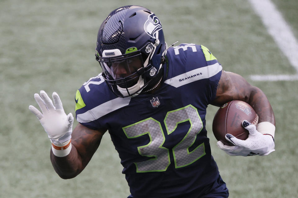 Running back Chris Carson #32 of the Seattle Seahawks