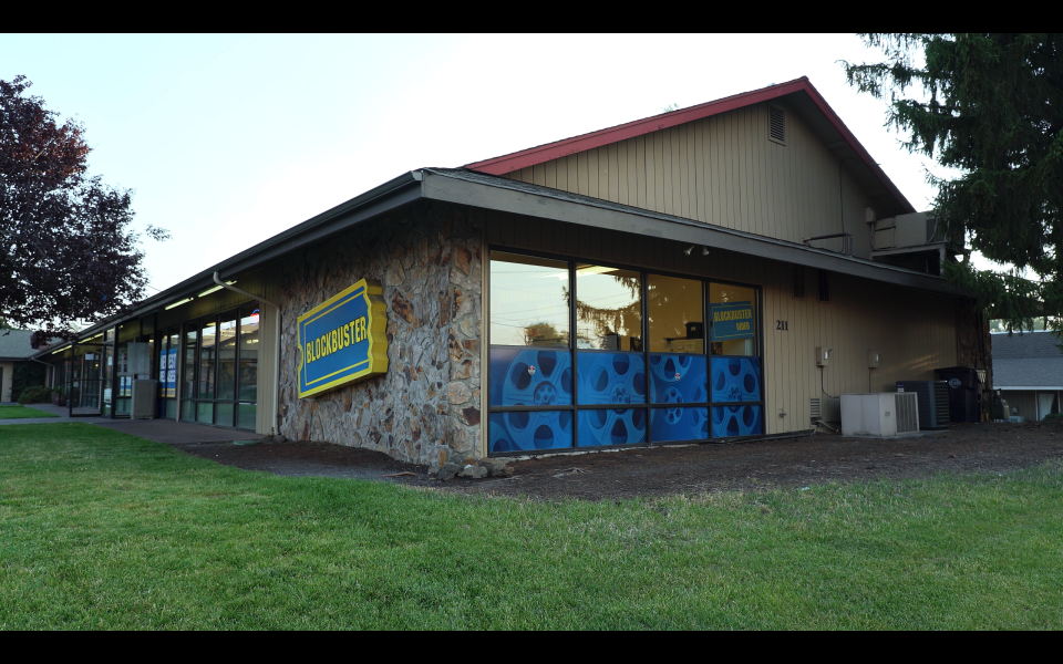 The last Blockbuster store in Bend, Oregon (Photo: 1091 Pictures)