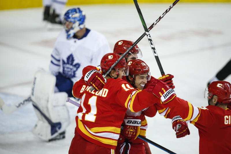Gaudreau scores twice, Flames rally past Maple Leafs 4-2