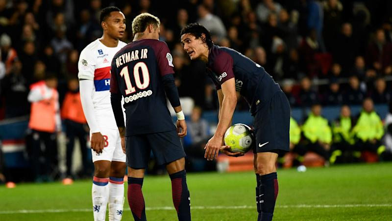 Neymar, Cavani Reportedly Prevented From Fighting In PSG Dressing Room